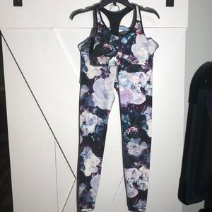 Old Navy Active Floral Bra and Workout Leggings